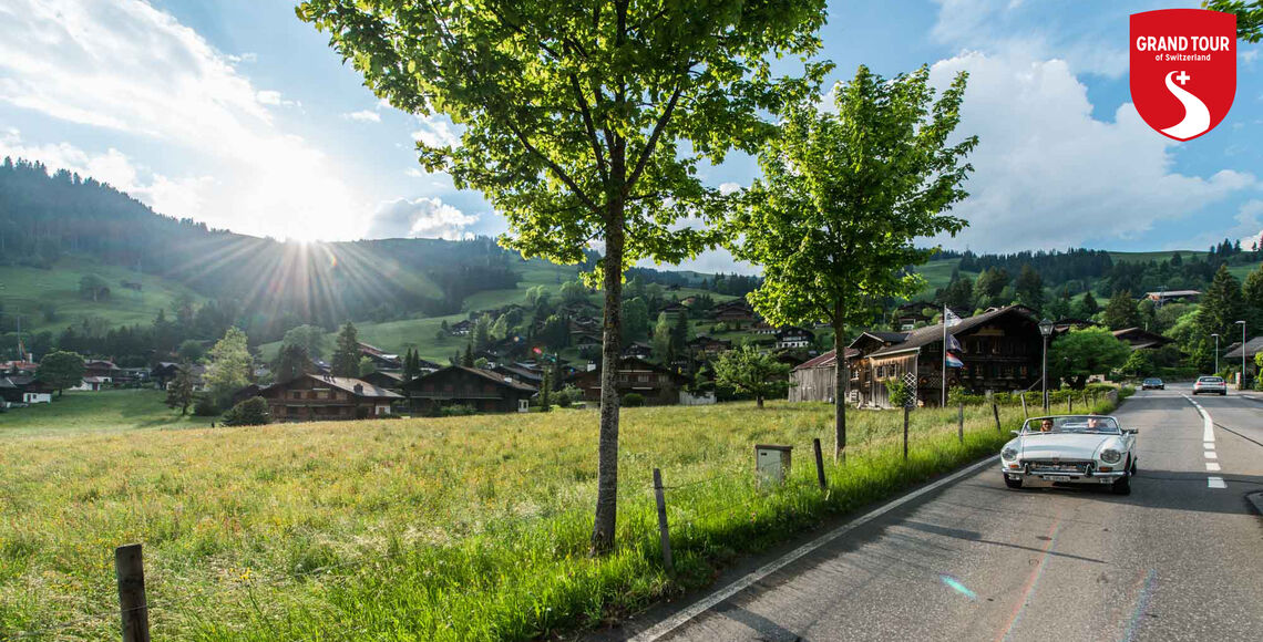 Ten chalet villages make up the Destination Gstaad. Visitors will find an unparalleled range of leisure activities on offer here amidst the gentle and unspoiled Alpine landscape.