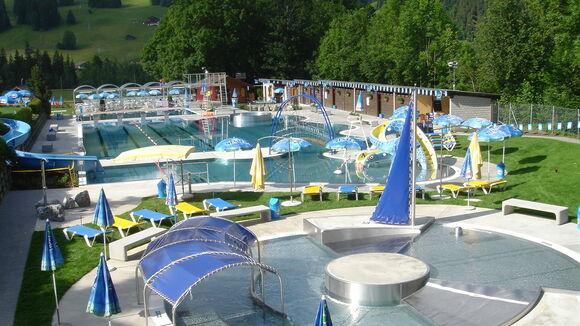 Indoor & outdoor swimming pools | Destination Gstaad
